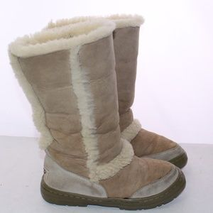 UGGs Mid-Calf Suede Sheepskin Lined Nubuck Boots 6
